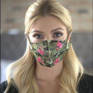 🔴3 for $25 Love Flowers Camo face Mask